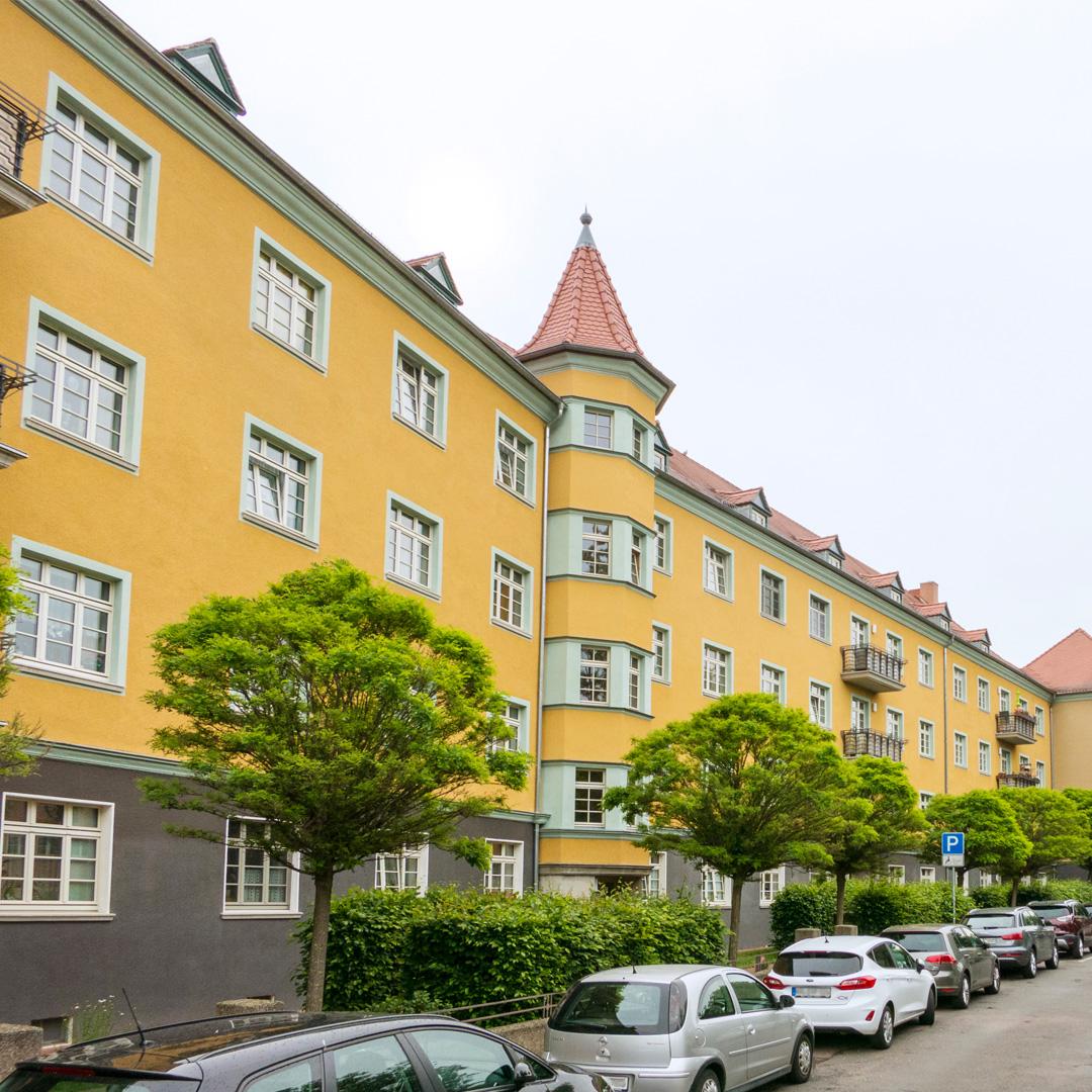 Das 1926 bis 1929 errichtete Quartier Stadtgutweg war das erste große Bauprojekt der Kleinwohnungsbau AG mit Wohnungsgrößen zwischen 60 und 89 Quadratmetern.