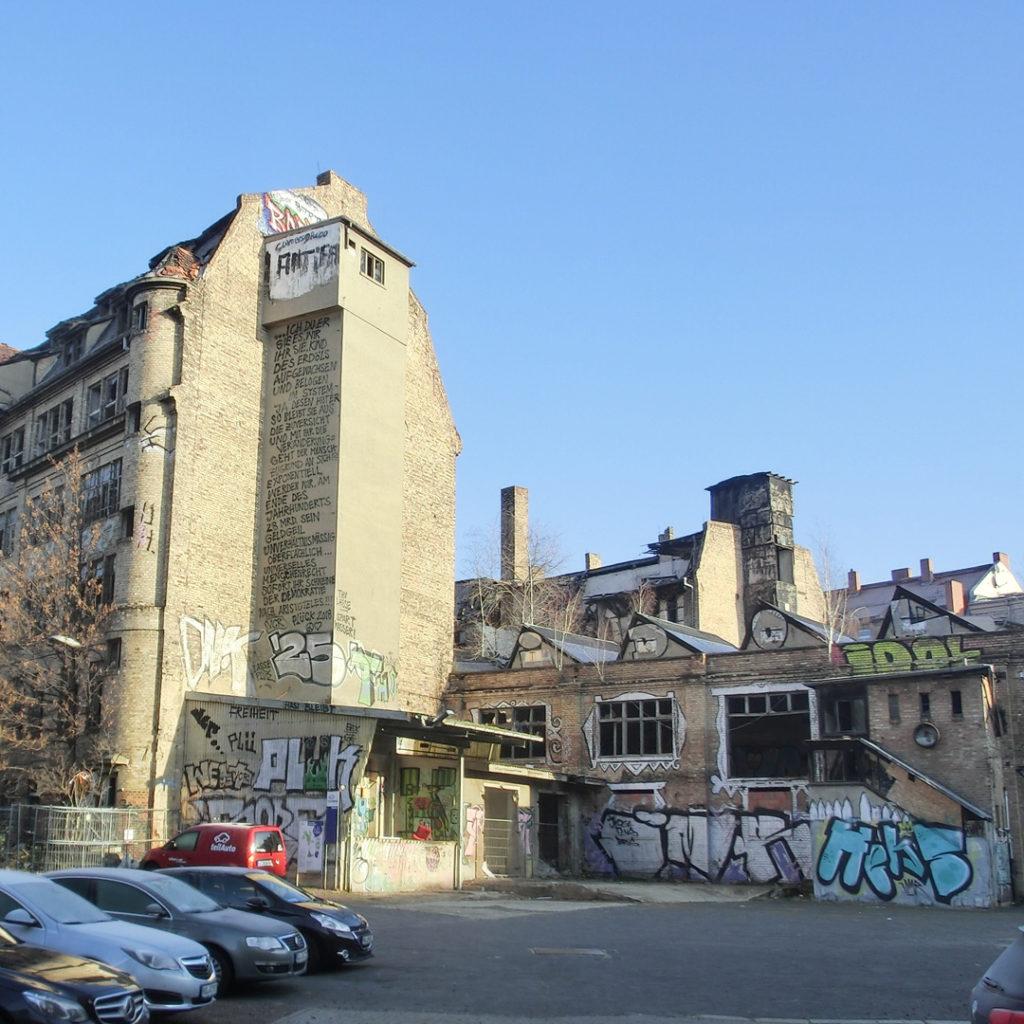 Das Grundstück des ehemaligen Betriebes Gravo-Druck am Reileck liegt derzeit brach.