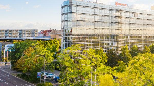 Das markante Bürogebäude RIEBECK No. 51.