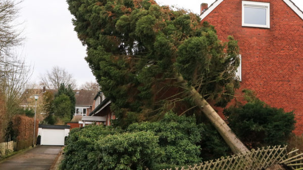 Hagel, Hitze, Starkregen, Sturm - Wie gut ist Ihr Haus vor Extremwetter geschützt?